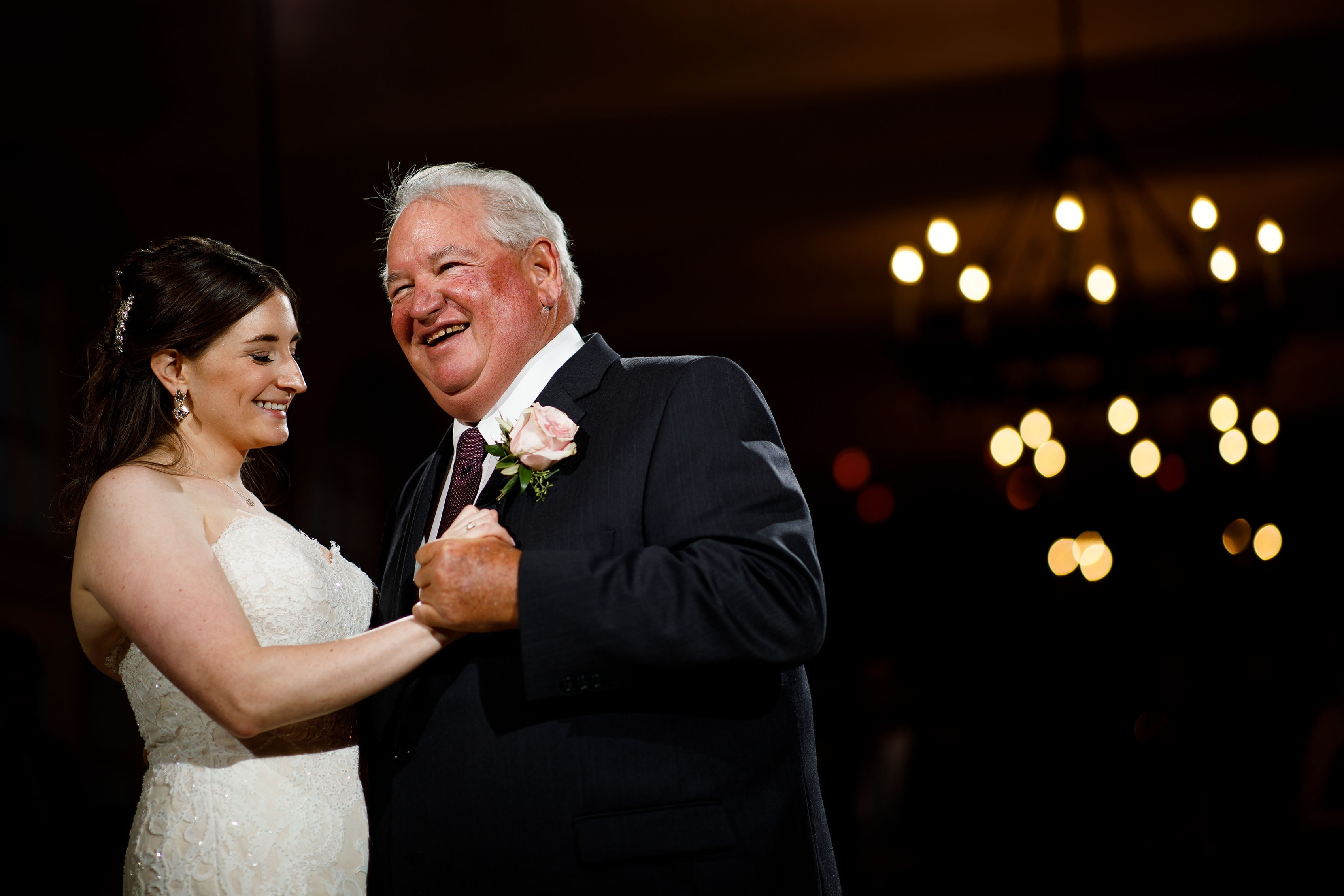 The bride dances with her father at Ravisloe