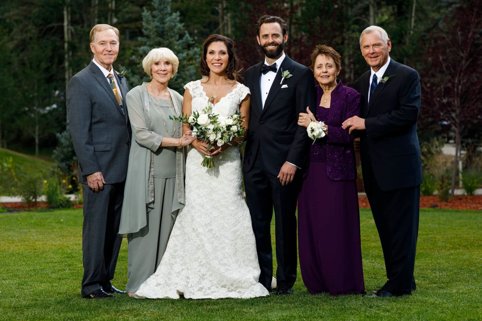 Tips For Stress-Free Family Formal Group Portraits