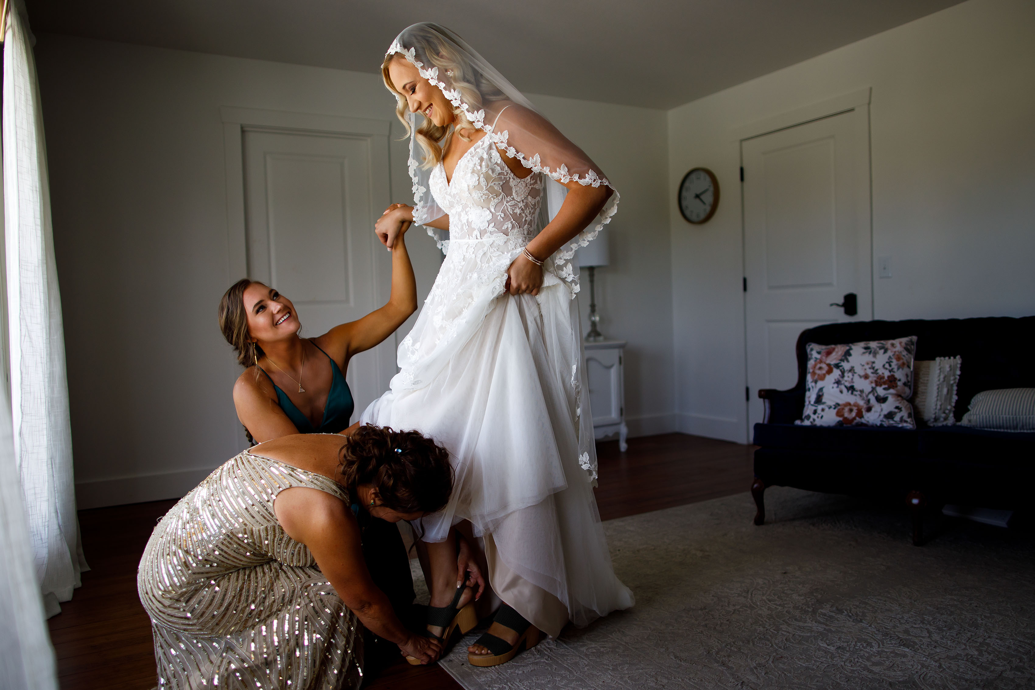 A bride gets ready in the bridal suite at Emerson Fields
